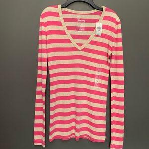 NWT GAP The Bowery Super Soft V Neck Shirt